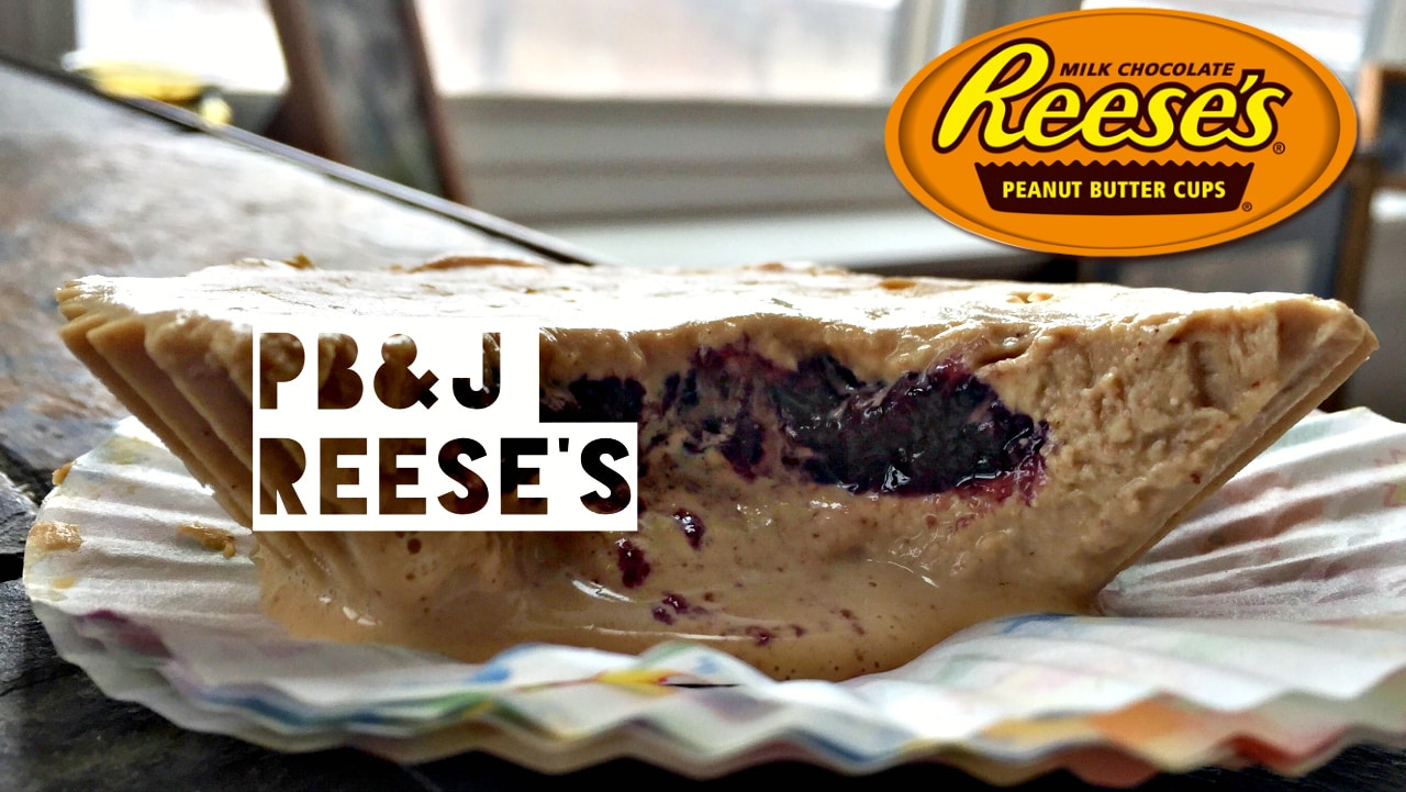 You NEED these healthy peanut butter and jelly cups in your life ASAP. The peanut butter tastes like Reese's PB. Each cup has 10g of protein too! The Diet Chef #HealthyReeses #WeightWatchers