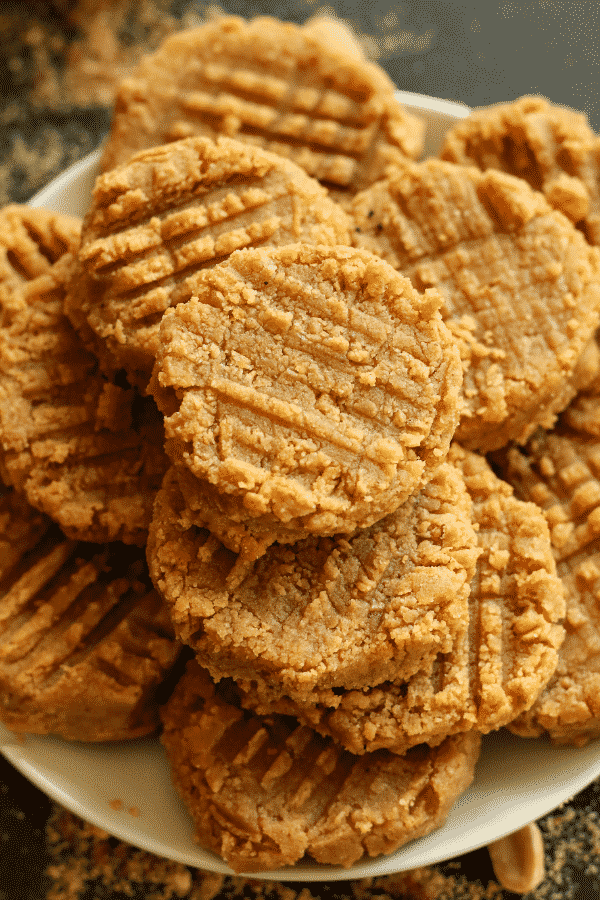 Low Carb cookies on a plate.
