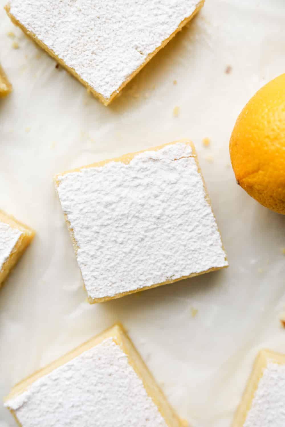 The top of a lemon bar covered in Swerve.